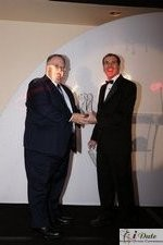 Rich Orcutt (Iovation) receiving the Best New Technology Award auf der 2010 iDate Awards Zeremonie