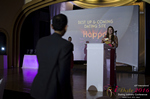 Svetlana Mukha Presenting the Best Up & Coming Dating Site Award em Miami na Premiação da Indústria Dating Online 2016